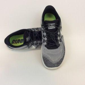 Nike Shoes - Lightweight Nike Running Shoes